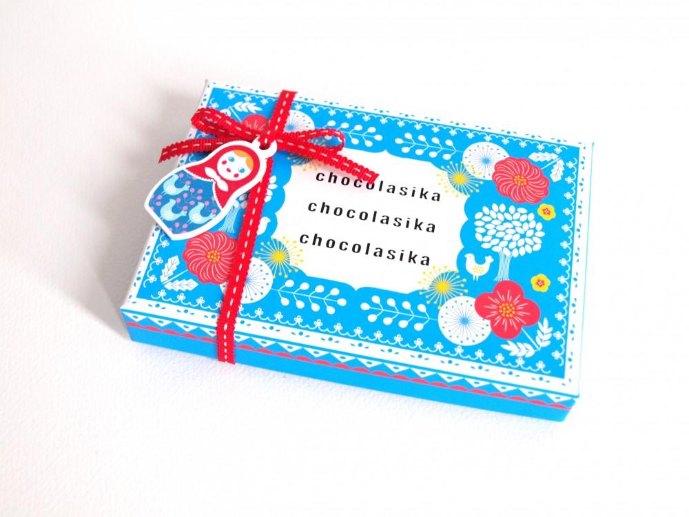 メリーチョコレートのバレンタインチョコ「ショコラーシカ」2015年パッケージ