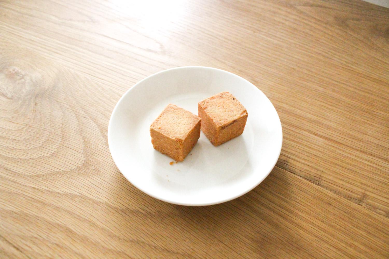 カヌレ堂のパイナップルケーキ